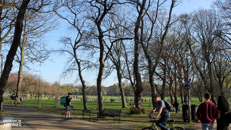 Barbecue au parc à Edimbourg, Chronique de Voyages
