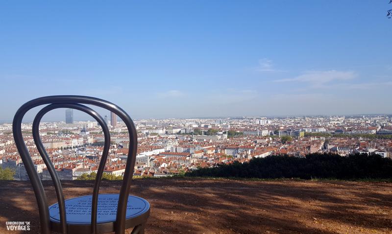 Les chaises du jardin des curiosités, Lyon