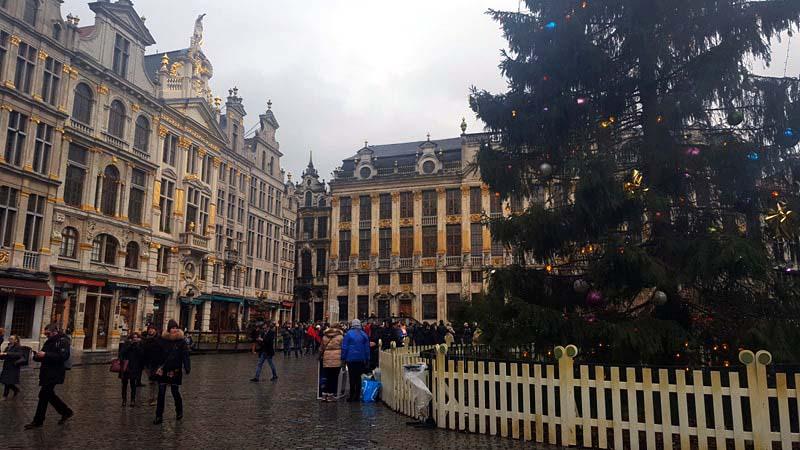 grand-place-marche-noel-bruxelles