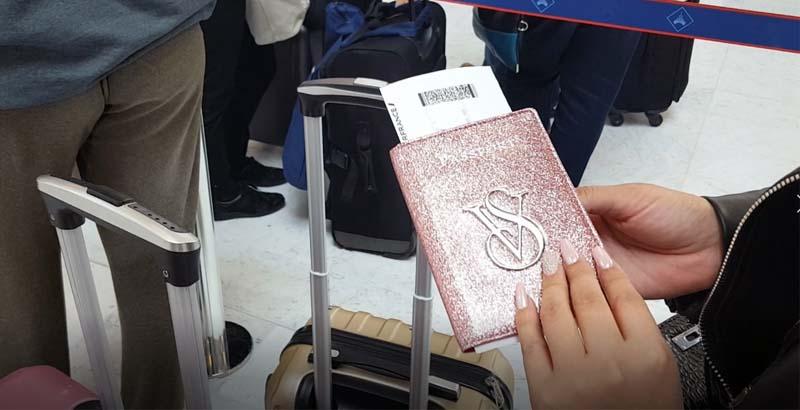 Partir en voyage : assurance et carte bleue